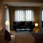 Sofa mit Lampen