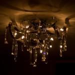 edle Lampe mit schönen Details und Schnörkeln