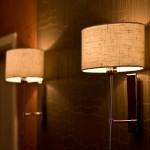 Nahaufnahme von zwei Lampen
